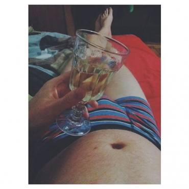 inbed chillout relax wine evening goodmood body fe
