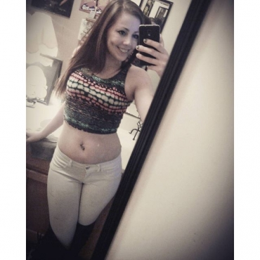 mirrorselfie kneehighboots whitepants croptop bell