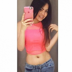 selfie deep navel bellybutton hole flabby hot thic